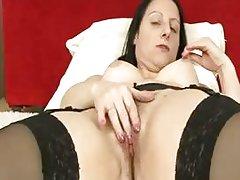 Big booty mom hairy pussy rub