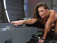 Extreme fast smoking machines makes her squirt